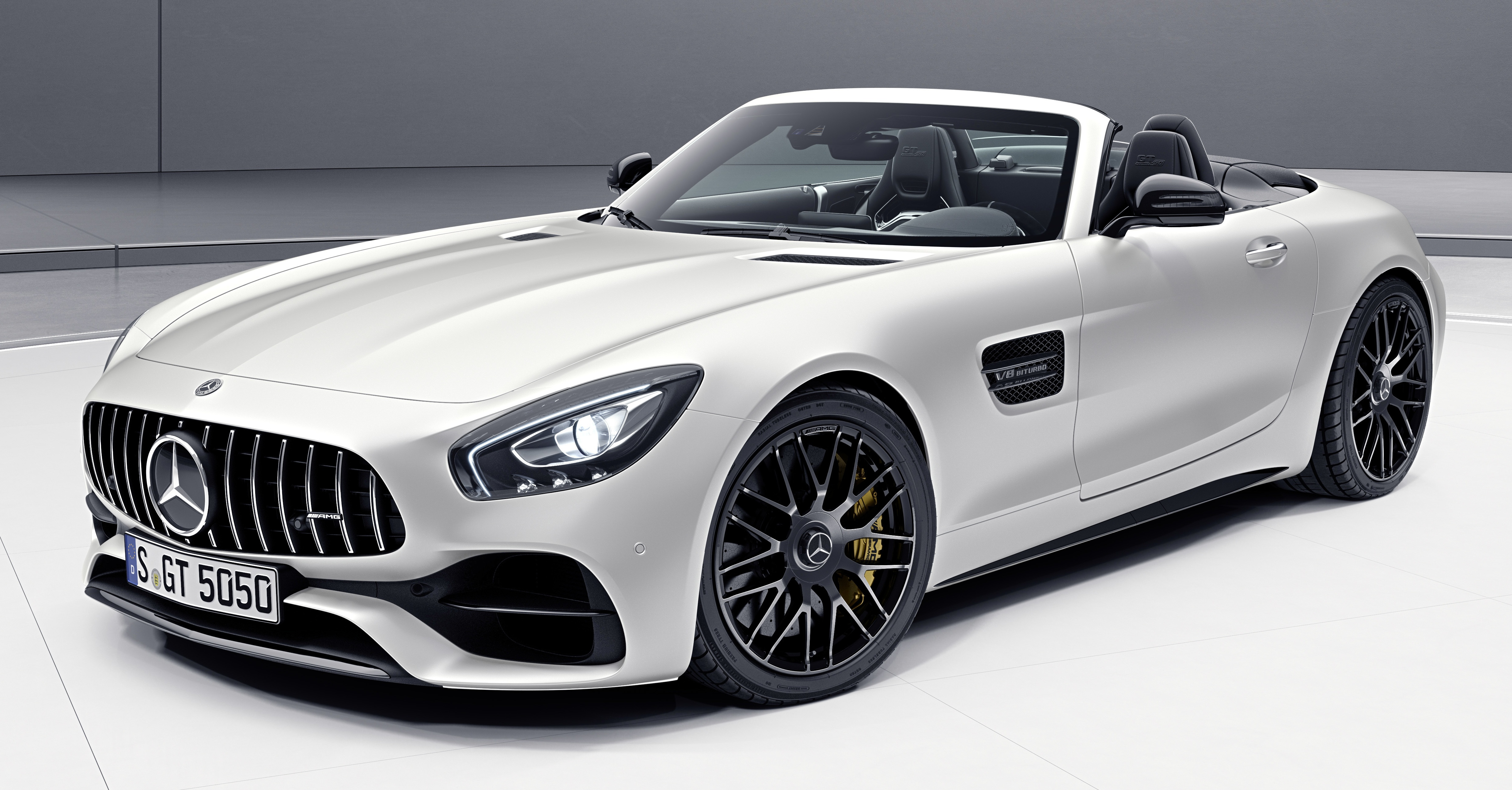 E5xps as well Mercedes Amg Gt Edition 1 Uncovered At Paris Motor Show Pictures furthermore 5954303406738798402 also HD Volkswagen Modele Polo BlueMotion Vue Exterieur Img Volkswagen Polo BlueMotion 100 together with 2015 Mercedes AMG GT S Edition 1 Interior 1 1280x800. on mercedes amg gt