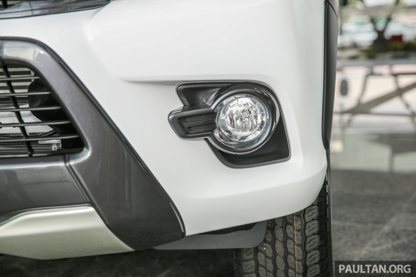 GALLERY: Toyota Hilux 2.4G Limited Edition up close Image #617932