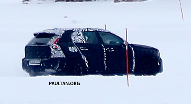 SPYSHOTS: Volvo XC40 testing with production body Image #612235