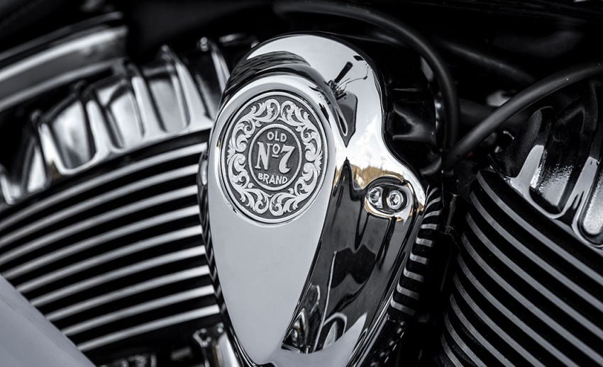 Indian Motorcycle and Jack Daniel's whiskey team up for Indian Chieftain limited edition – only 100 units Image #629803