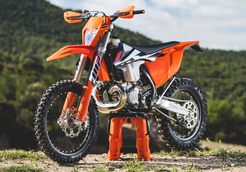KTM unveils new two-stroke fuel injection engine Image #630476
