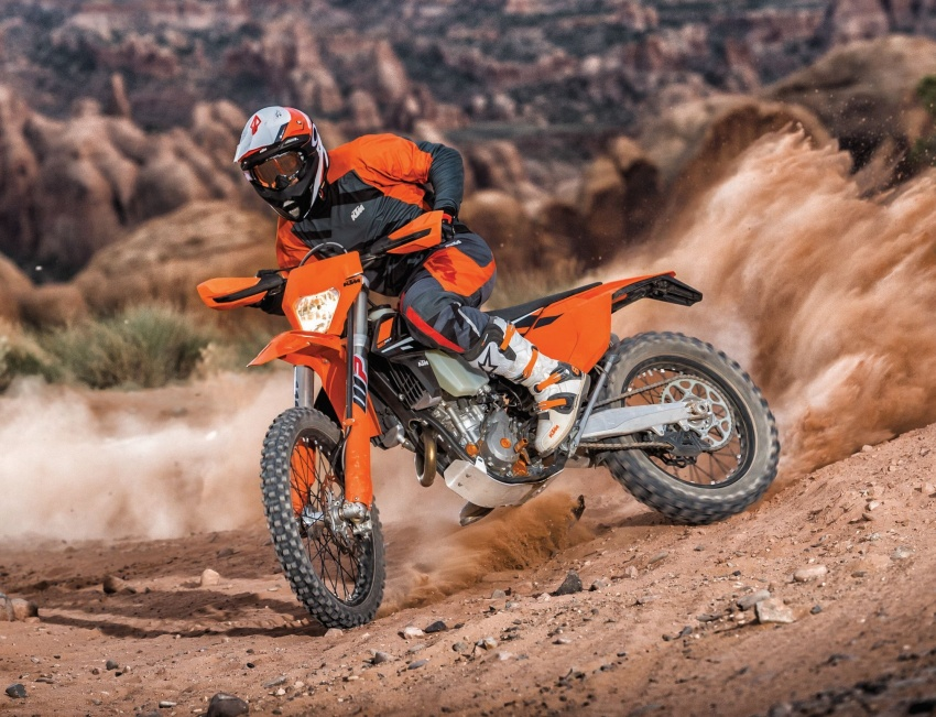 KTM unveils new two-stroke fuel injection engine Image #630477