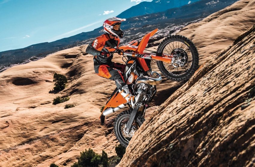 KTM unveils new two-stroke fuel injection engine Image #630478