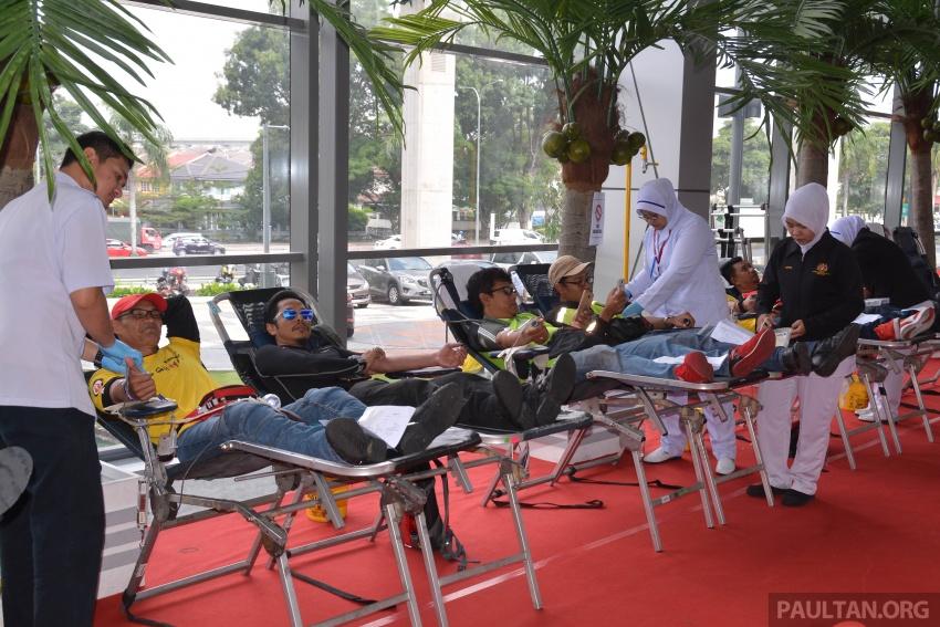 "200-plus bikers donate blood in Kawasaki ""Gift of Life"" Image #631486"