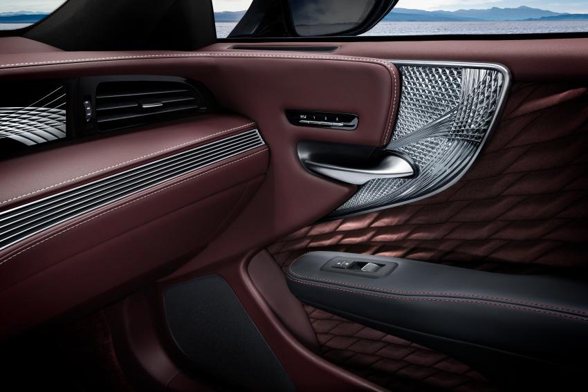 Lexus LS 500h officially debuts at Geneva Motor Show Image #625550