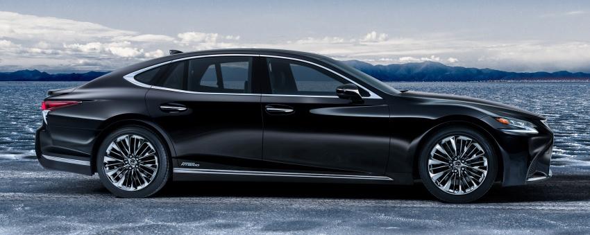 Lexus LS 500h officially debuts at Geneva Motor Show Image #625534