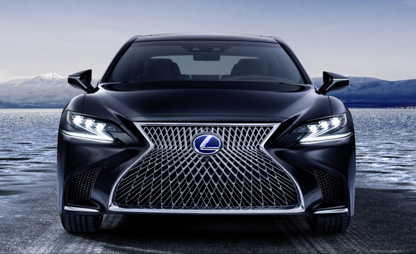 Lexus LS 500h officially debuts at Geneva Motor Show Image #625535