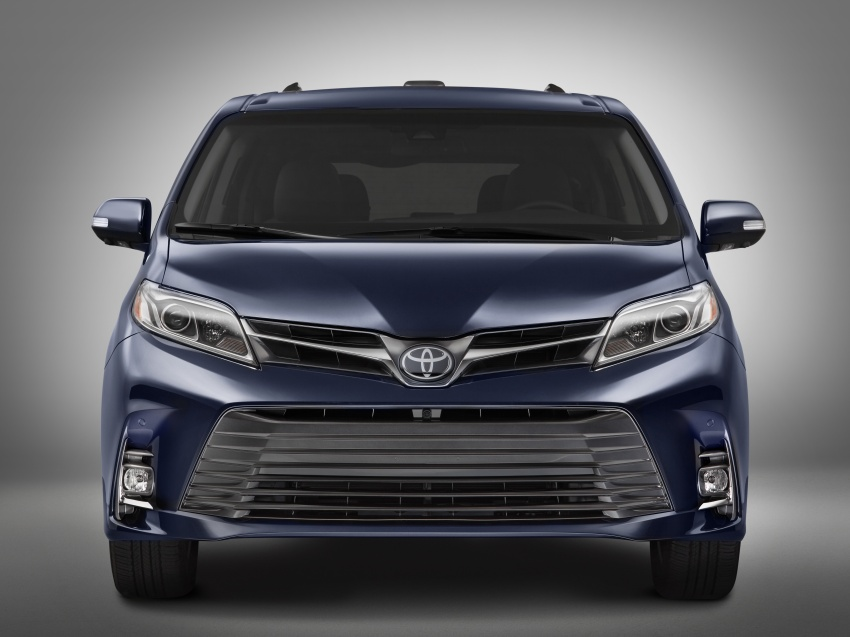 Toyota Sienna facelift unveiled – new looks, safety kit Image 633625