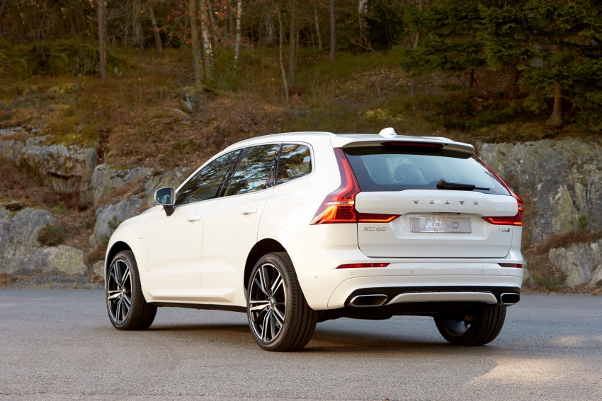 2018 Volvo XC60 unveiled – 407 hp T8 plug-in hybrid Image #625866