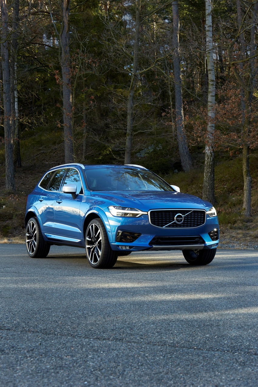 2018 Volvo XC60 unveiled – 407 hp T8 plug-in hybrid Image #625877