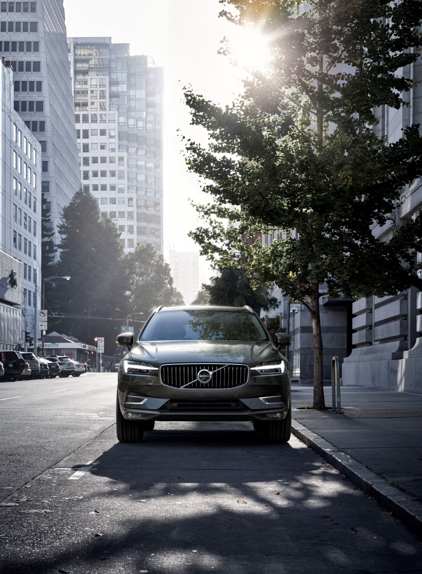 2018 Volvo XC60 unveiled – 407 hp T8 plug-in hybrid Image #625980