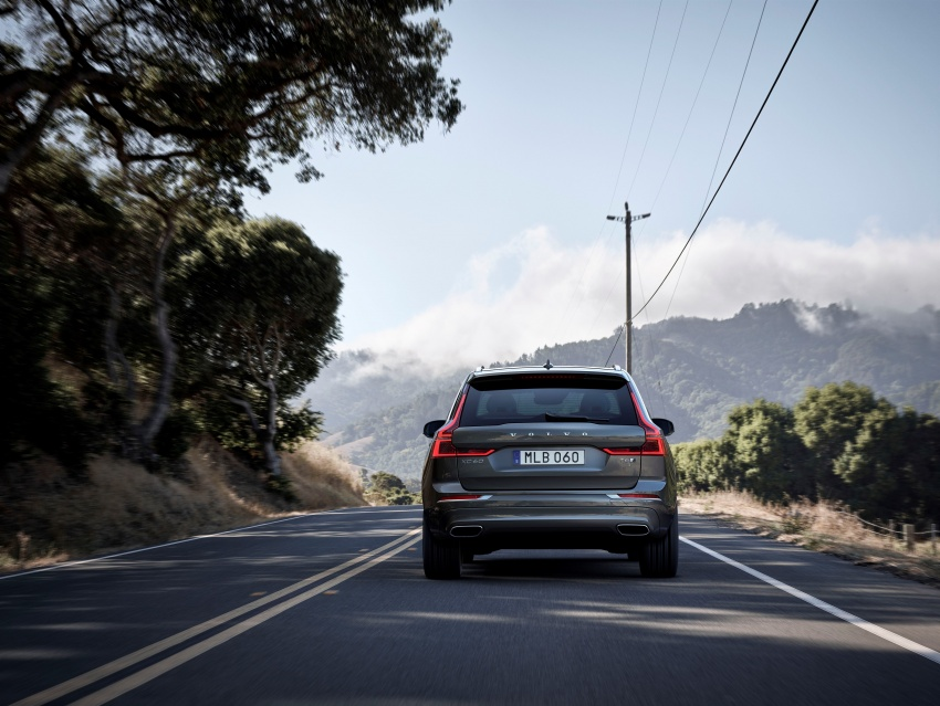 2018 Volvo XC60 unveiled – 407 hp T8 plug-in hybrid Image #625981