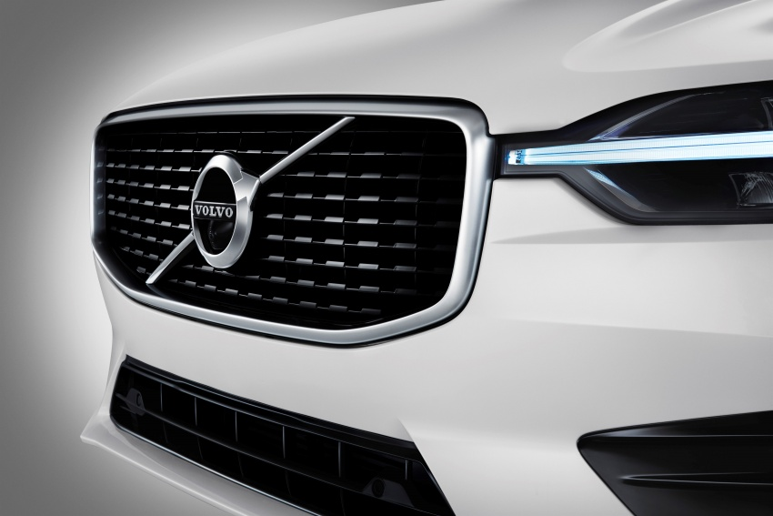 2018 Volvo XC60 unveiled – 407 hp T8 plug-in hybrid Image #625987