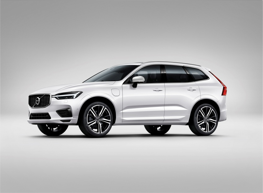 2018 Volvo XC60 unveiled – 407 hp T8 plug-in hybrid Image #625988