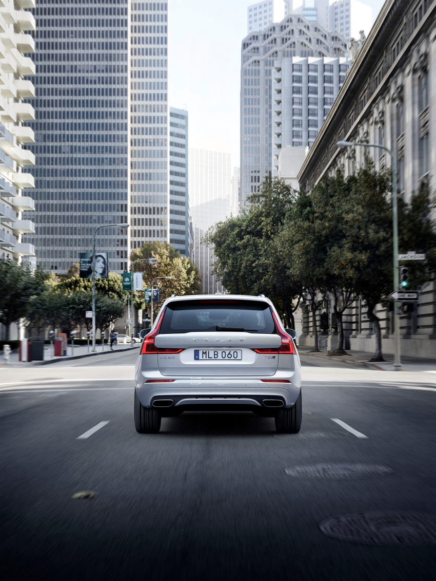 2018 Volvo XC60 unveiled – 407 hp T8 plug-in hybrid Image #625992