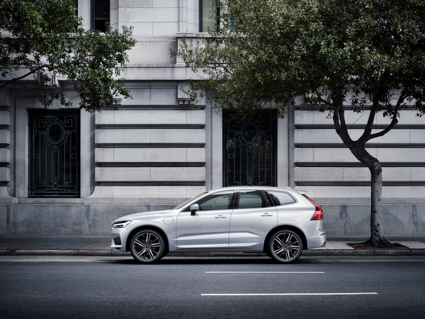 2018 Volvo XC60 unveiled – 407 hp T8 plug-in hybrid Image #625993