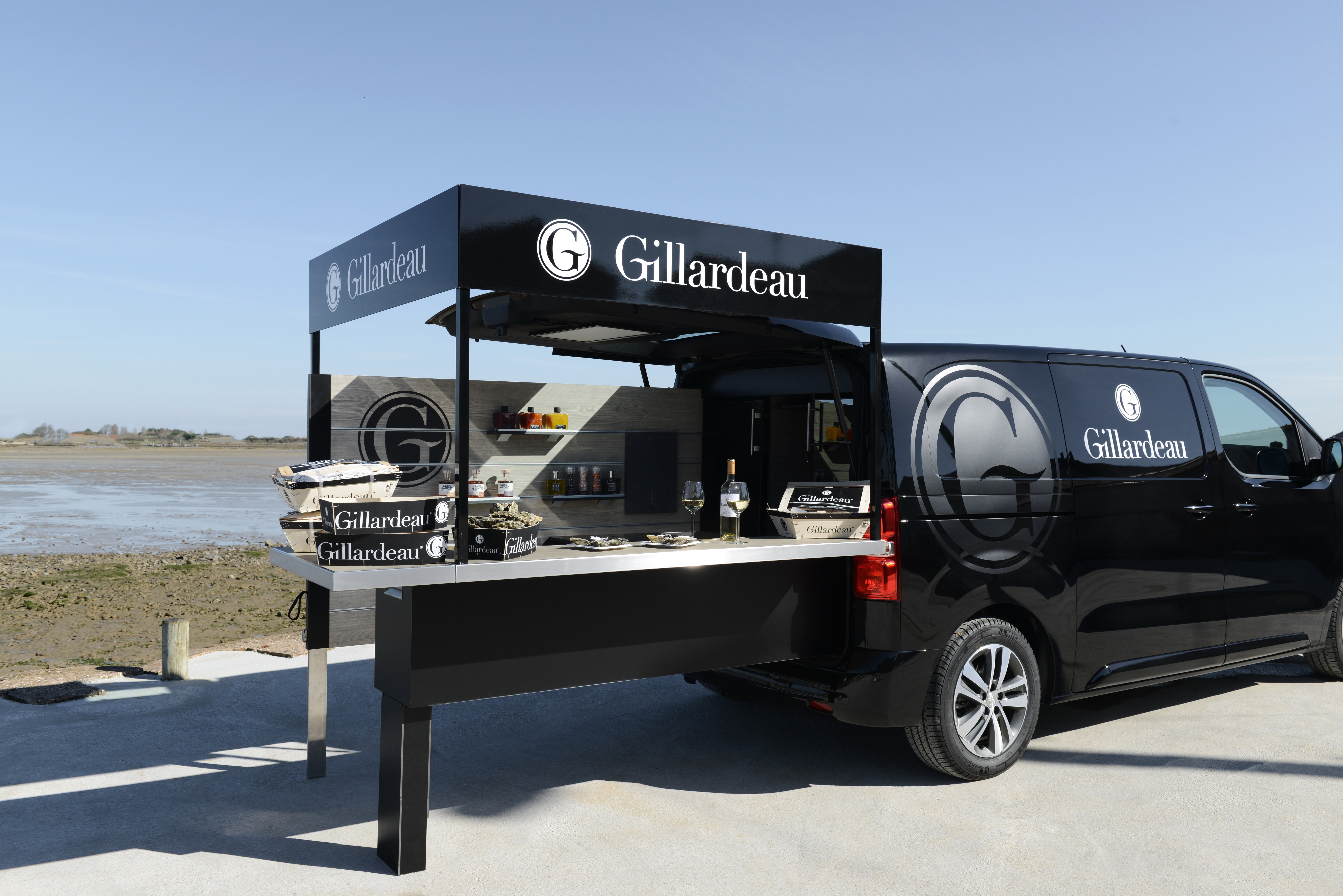 Peugeot designs food truck for luxury oyster farmer for Best food truck designs