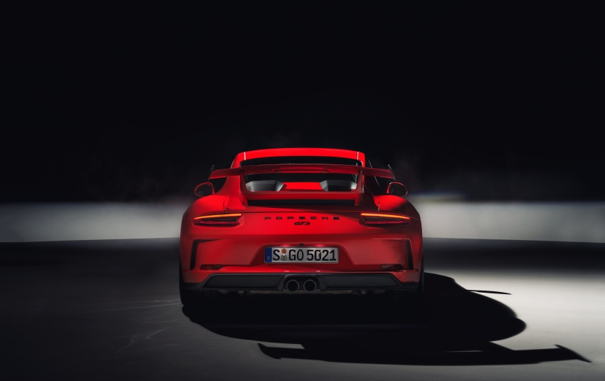 Porsche 911 GT3 now with 500 hp, manual gearbox Image #626058