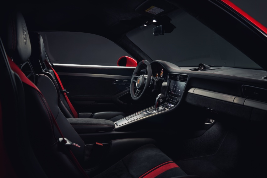 Porsche 911 GT3 now with 500 hp, manual gearbox Image #626059