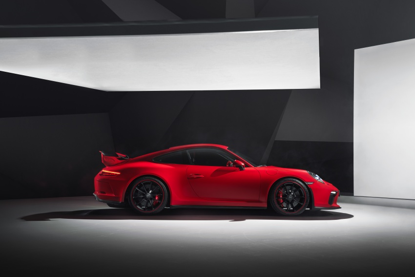 Porsche 911 GT3 now with 500 hp, manual gearbox Image #626056
