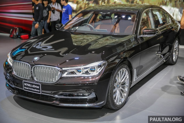 2018 bmw v12.  2018 everyone wanted a closer look at the g30 bmw 5 series bmwu0027s 2017 bangkok  international motor show booth but since malaysia already has of our own  for 2018 bmw v12