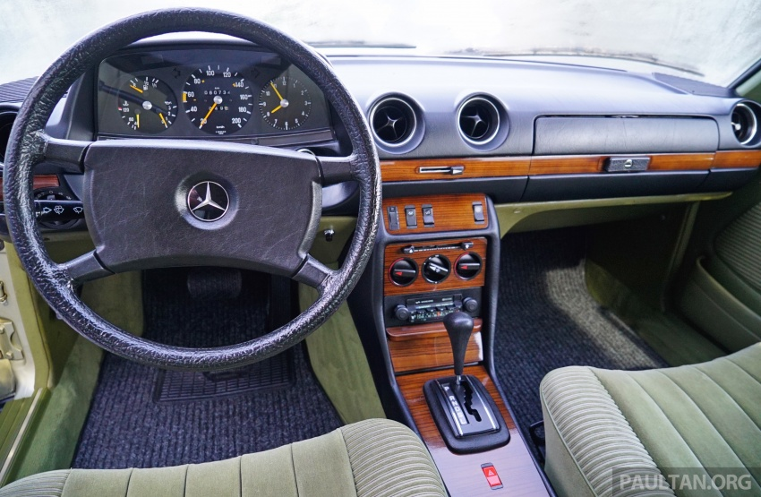 GALLERY: Mercedes-Benz E-Class Coupe through the years – W114, C123, C124, C208, C209, C207 and C238 Image #628142