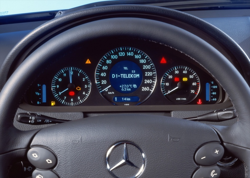 GALLERY: Mercedes-Benz E-Class Coupe through the years – W114, C123, C124, C208, C209, C207 and C238 Image #628186