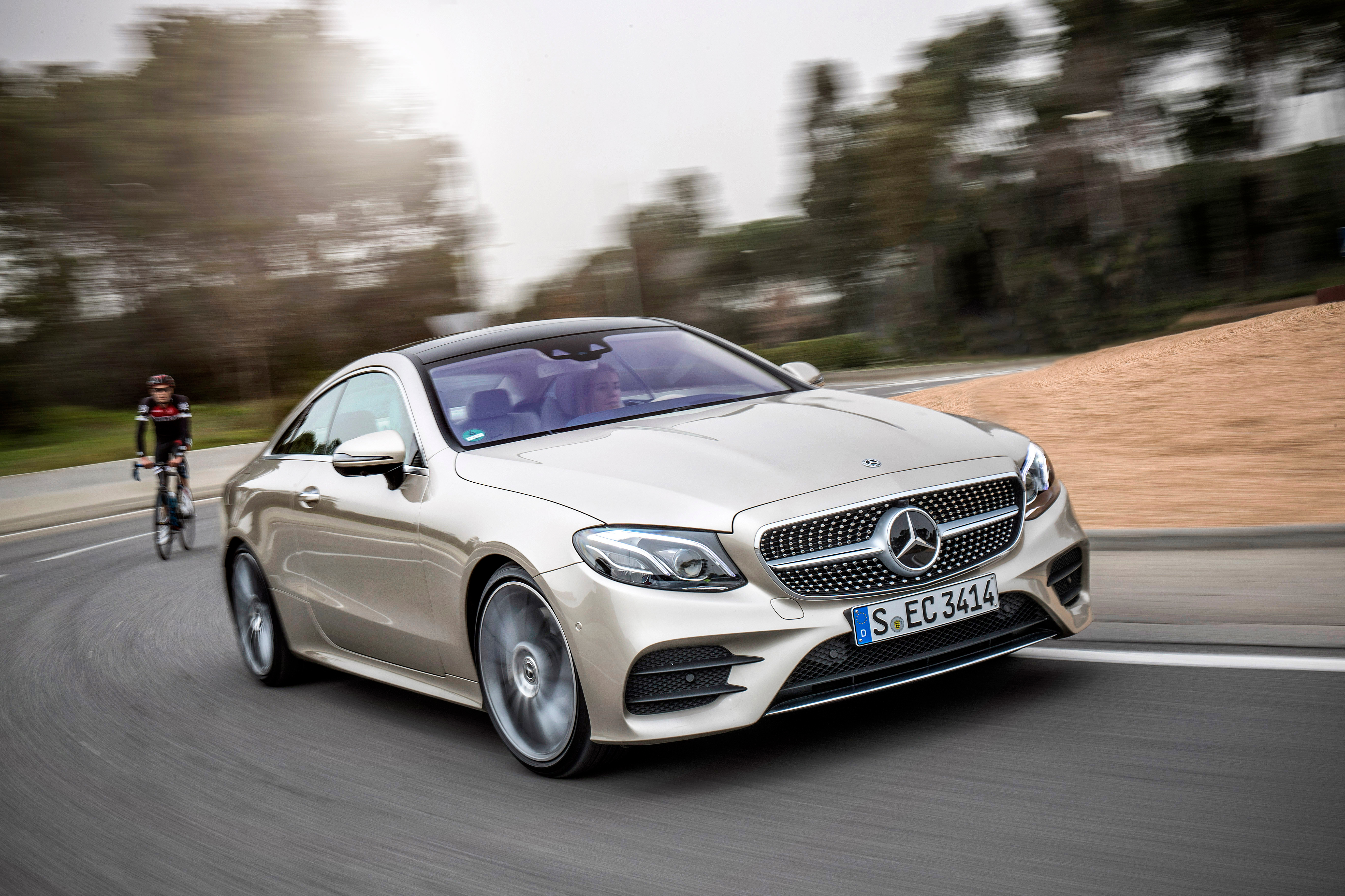 video c238 mercedes benz e class coupe walk around tour new gt to reach malaysia in q3 2017. Black Bedroom Furniture Sets. Home Design Ideas