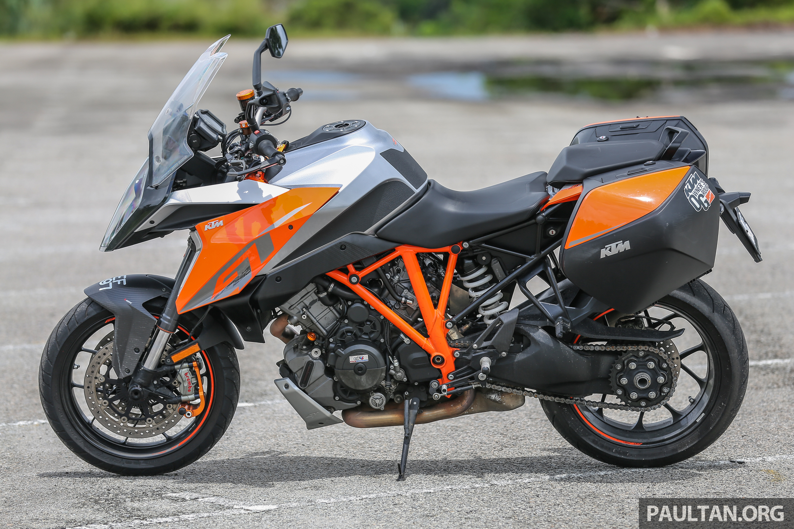 2018 ktm super duke. perfect ktm to say the ktm 1290 super duke gt is a wolf in wolfu0027s clothing would not be  amiss when r u2013 u201cbeastu201d first came out  on 2018 ktm super duke t