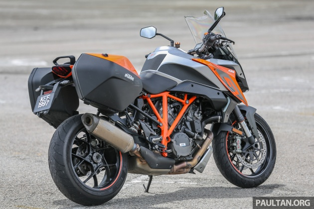 2018 ktm adventure 1290. delighful ktm when we picked up the super duke gt from ktm it was pointed out that  tyres fitted were not standard but rather supersticky pirelli rosso iiis for 2018 ktm adventure 1290 l