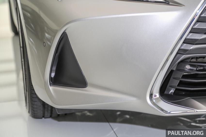 Lexus IS facelift kini di M'sia – 4 varian, dari RM298k, varian hibrid IS 300h kini hingga RM40k lebih murah Image #623906