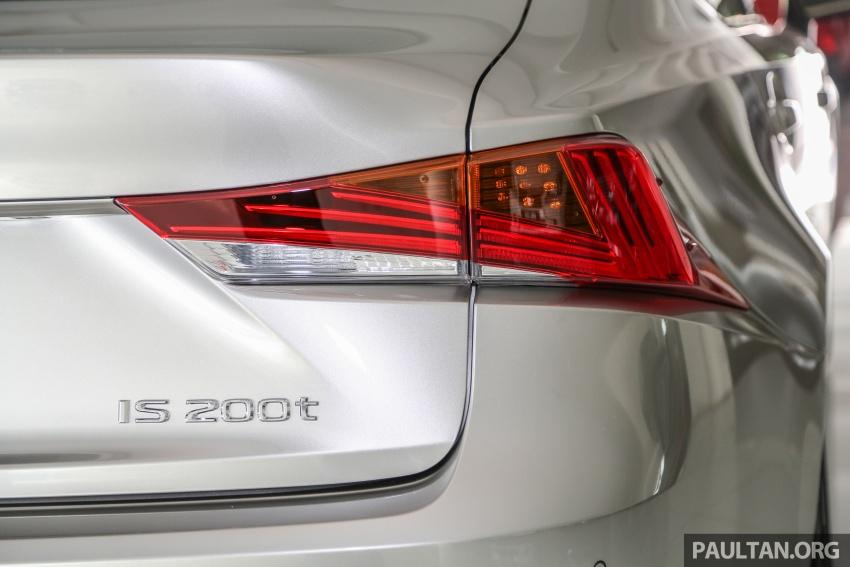 Lexus IS facelift kini di M'sia – 4 varian, dari RM298k, varian hibrid IS 300h kini hingga RM40k lebih murah Image #623968