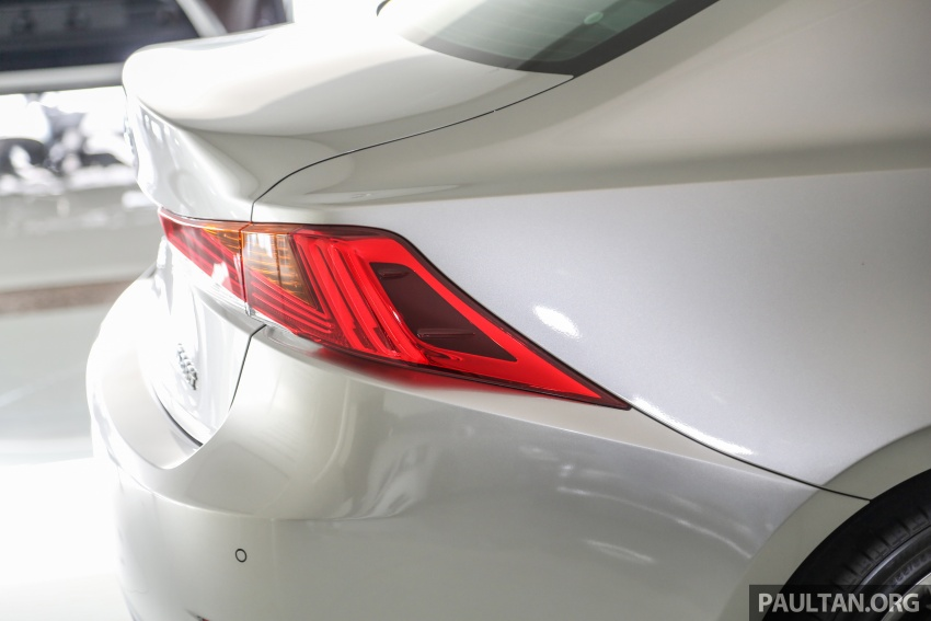 2017 Lexus IS facelift range arrives in Malaysia; 200t and 300h, from RM298k – up to RM40k less than before Image #624099