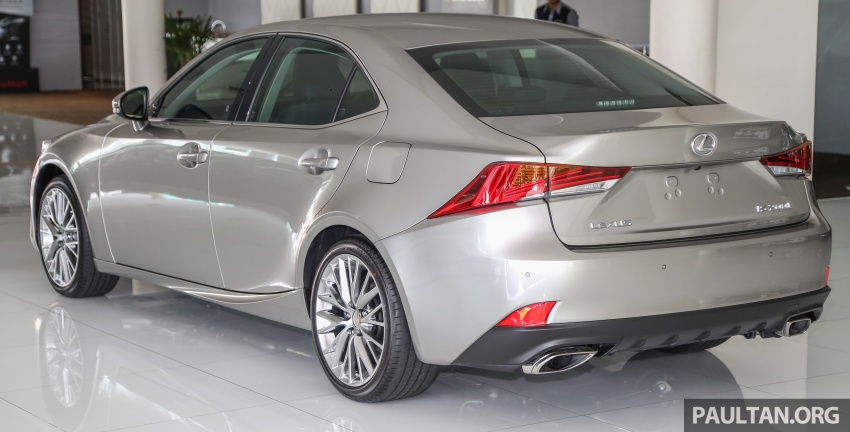 2017 Lexus IS facelift range arrives in Malaysia; 200t and 300h, from RM298k – up to RM40k less than before Image #624072