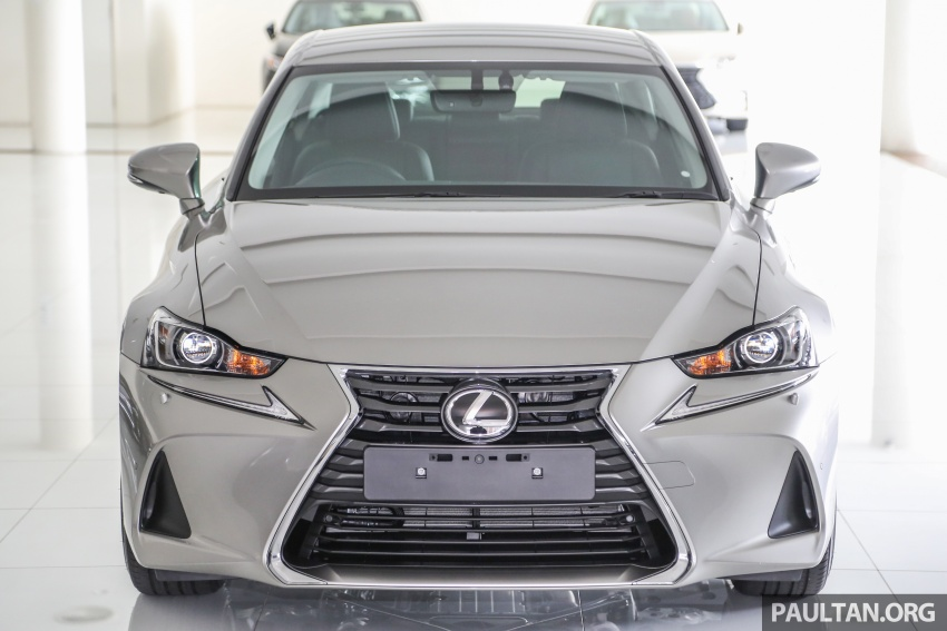 2017 Lexus IS facelift range arrives in Malaysia; 200t and 300h, from RM298k – up to RM40k less than before Image #624073