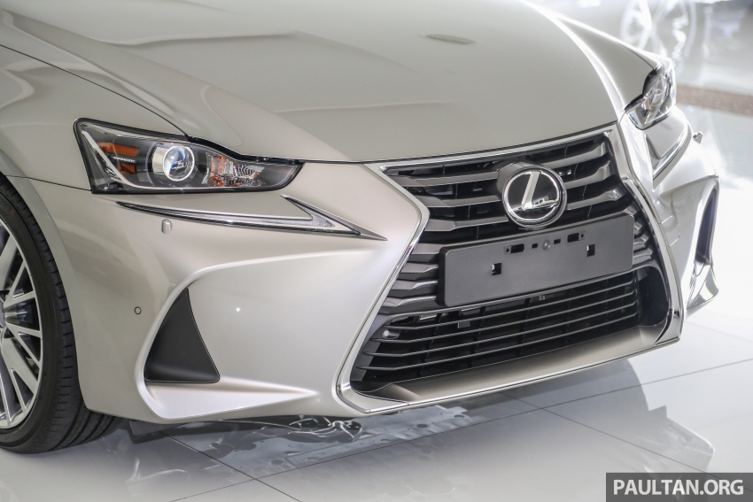 2017 Lexus IS facelift range arrives in Malaysia; 200t and 300h, from RM298k – up to RM40k less than before Image #624077