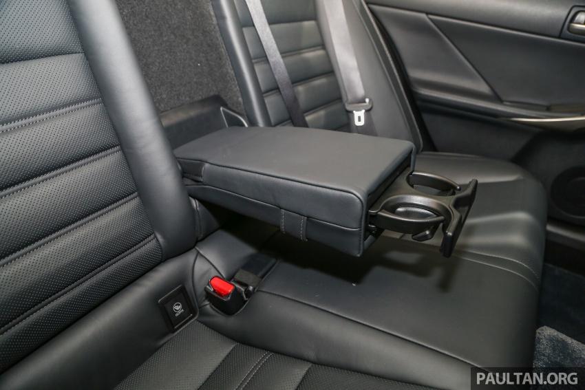 Lexus IS facelift kini di M'sia – 4 varian, dari RM298k, varian hibrid IS 300h kini hingga RM40k lebih murah Image #624051
