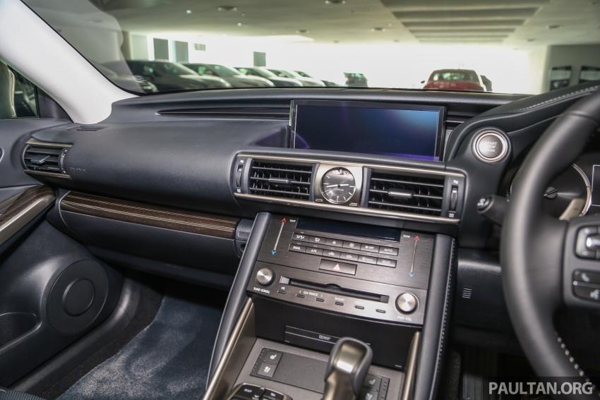 Lexus IS facelift kini di M'sia – 4 varian, dari RM298k, varian hibrid IS 300h kini hingga RM40k lebih murah Image #624025