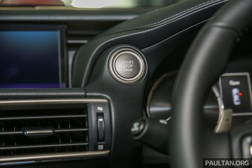 Lexus IS facelift kini di M'sia – 4 varian, dari RM298k, varian hibrid IS 300h kini hingga RM40k lebih murah Image #624028