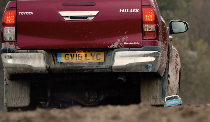 VIDEO: Toyota Hilux Tamiya models vs the real thing Image #632105