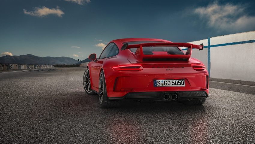 Porsche 911 GT3 now with 500 hp, manual gearbox Image #625819
