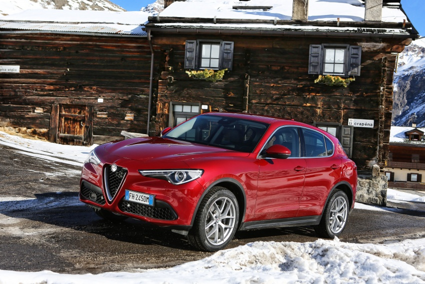 Alfa Romeo Stelvio gains new base engines for EMEA: 200 hp/330 Nm 2.0 petrol and 180 hp/490 Nm 2.2 diesel Image #639532