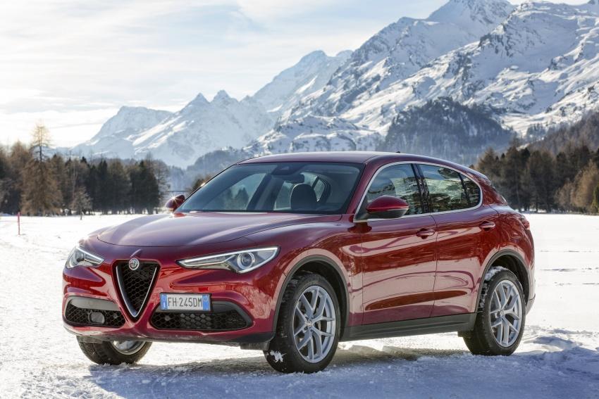 Alfa Romeo Stelvio gains new base engines for EMEA: 200 hp/330 Nm 2.0 petrol and 180 hp/490 Nm 2.2 diesel Image #639536