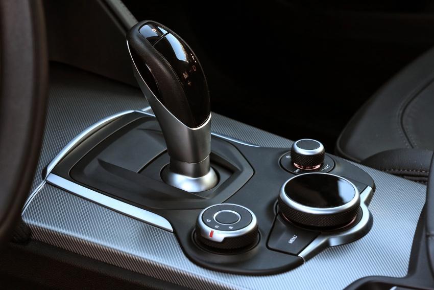 Alfa Romeo Stelvio gains new base engines for EMEA: 200 hp/330 Nm 2.0 petrol and 180 hp/490 Nm 2.2 diesel Image #639545