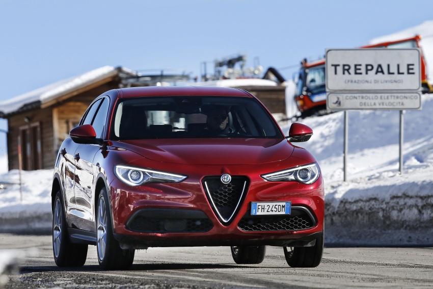 Alfa Romeo Stelvio gains new base engines for EMEA: 200 hp/330 Nm 2.0 petrol and 180 hp/490 Nm 2.2 diesel Image #639562