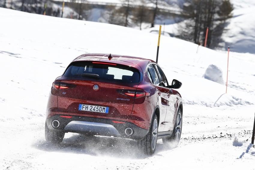 Alfa Romeo Stelvio gains new base engines for EMEA: 200 hp/330 Nm 2.0 petrol and 180 hp/490 Nm 2.2 diesel Image #639574