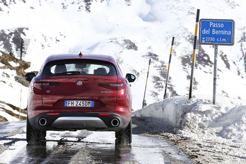 Alfa Romeo Stelvio gains new base engines for EMEA: 200 hp/330 Nm 2.0 petrol and 180 hp/490 Nm 2.2 diesel Image #639579
