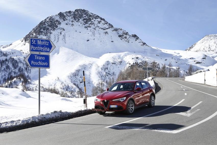 Alfa Romeo Stelvio gains new base engines for EMEA: 200 hp/330 Nm 2.0 petrol and 180 hp/490 Nm 2.2 diesel Image #639581