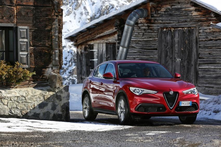 Alfa Romeo Stelvio gains new base engines for EMEA: 200 hp/330 Nm 2.0 petrol and 180 hp/490 Nm 2.2 diesel Image #639585