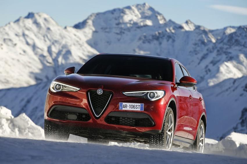 Alfa Romeo Stelvio gains new base engines for EMEA: 200 hp/330 Nm 2.0 petrol and 180 hp/490 Nm 2.2 diesel Image #639591